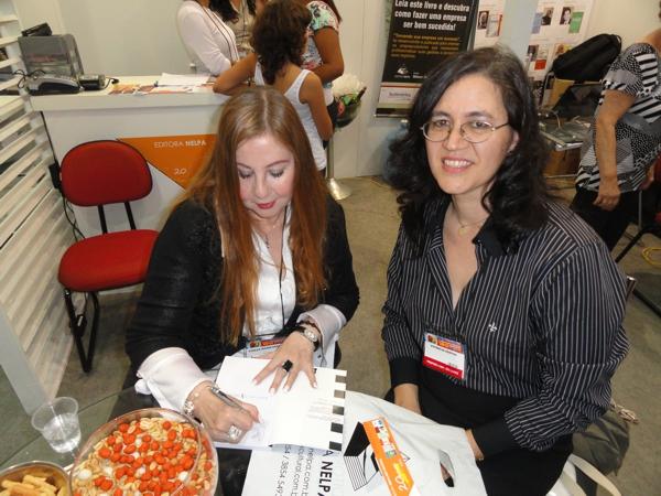 Autografando o seu livro